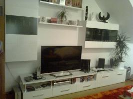 Foto 3 Hochglanz wei�e Wohnzimmerwand zu verkaufen