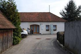 Hochwertig sanierte Bauernhaus in absoluter Ruhelage in Autobahnnähe 35min von Wien 30min St, Pölten