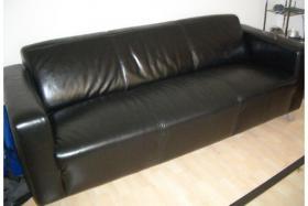 Hochwertige Ledercouch plus Sessel wie neu in schwarz NP:1500