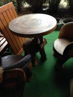 Foto 3 Hochwertige Sitzgruppe aus afrikanischen Edelholz