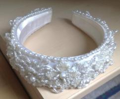 Foto 3 Hochzeitskleid mit Reifenrock Kopfschmuck und kurzer Schleier
