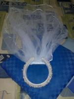 Foto 4 Hochzeitskleid mit Reifenrock Kopfschmuck und kurzer Schleier