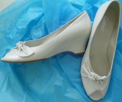 Foto 4 Hochzeitskleid wunderschön elegant&schlicht