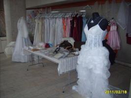 Foto 12 Hochzeitskleidungen