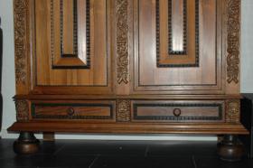 Foto 2 Holländischer Eiche Kissenschrank, Renaissance Stil