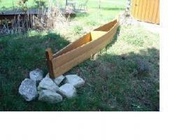 Holzboot zum Bepflanzen