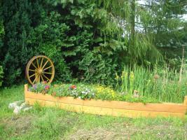 Foto 3 Holzboot zum Bepflanzen