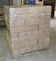 Foto 2 Holzbriketts eine Tonne für 95 Euro aus Olomouc – CZ, Verpackungen 100 PET- Beutel á 10 kg. (ganze LKW ist 24 tonnen)