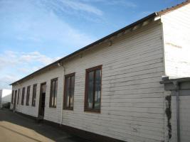 Holzhalle (ca. 35m x 7,51m x 4m) kostenlos abzugeben