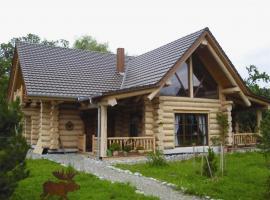 Holzhaus aus Rundbohlen