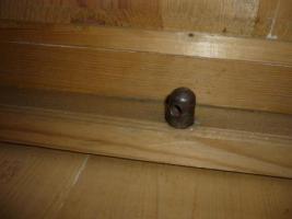 Foto 7 Holzkleiderschrank mit dem Spiegel