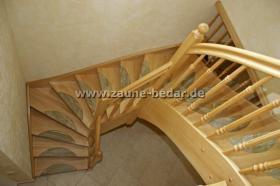 holztreppe aus polen trepe verkleidung von betontreppe bolzentreppen treppengel nder in. Black Bedroom Furniture Sets. Home Design Ideas