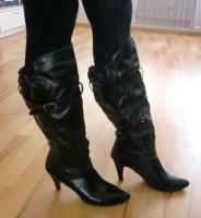Foto 15 Hosen Kleider Pullis Röcke Tops Schuhe ab 1€!!