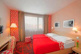Foto 2 Hotel EXE IRIS****  PRAG ab € 14,50 p.P. mit Video