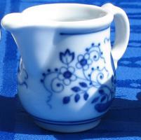 Hutschenreuther- Milchkännchen 1 Pers. Zwiebelmuster