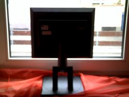Foto 3 IBM Flachbildschirm