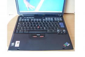 Foto 2 IBM Thinkpad R30 sehr guter Zustand