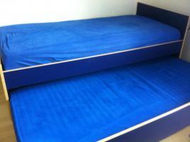 IKEA-Ausziehbett vollst. mit 2 Matratzen (2m * 1m)