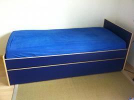 Foto 2 IKEA-Ausziehbett vollst. mit 2 Matratzen (2m * 1m)