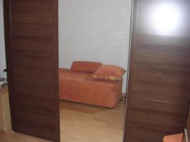 ikea kleiderschrank elga kleiderschrank mit 2 schiebet ren und 1 spiegelt r grau. Black Bedroom Furniture Sets. Home Design Ideas