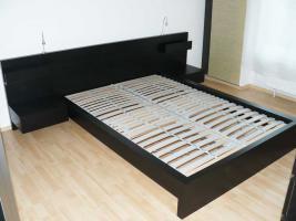 Foto 2 IKEA MALM Komplett-Bett 140 x 200 + Ablagetische + Leuchten