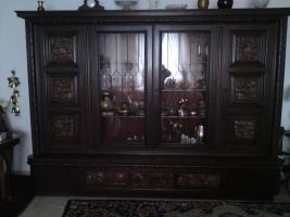 Foto 2 Ich habe einige alte Möbelstücke, Tepische Bilder und noch andere Sachen zu ferkaufen die sich in Frankfurt befinden.