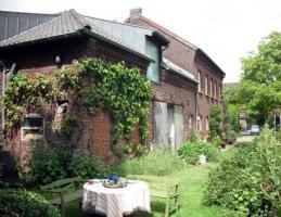 Foto 4 Idyllischer denkmalgeschützter Vierkanthof in waldrandnahem Dorf