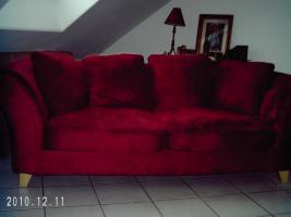 Ikea-Sofa, rot, Bezug abziehbar, L 2,15m/H 0,76m/ T 0,78m an Selbstabh. f. 150,00 € abzugeben