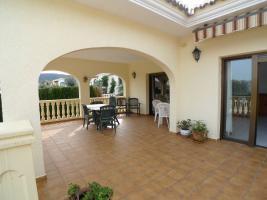 Foto 2 Imposante Villa in Orba an der Costa Blanca