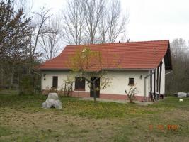 In Ungarn ein kleines qualitátes Bauernhaus ist zu verkaufen