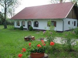 In Ungarn ein schönes Bauernhaus ist zu verkaufen