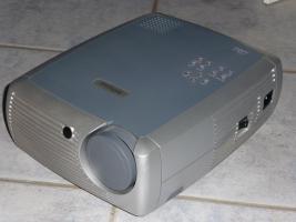InFocus X1 DLP-Projektor