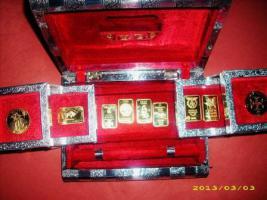 Indische Schatulle mit 24 Karat Vergoldeter Sammlung