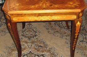 Foto 3 Intarsientisch mit mehreren Tischplatten (Abholpreis)