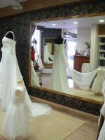 Internationale Brautmode - Angebot des Monats:  KOMPLETTE BRAUTAUSTATTUNG ZUM PREIS IHRES TRAUMKLEIDES