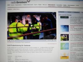 Foto 8 JPX Tierabwehrger�t - GUTE AUSR�STUNG getestet v Ralf Spies Sicherheitsexperte