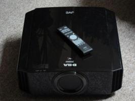 JVC DLA-X70R wie Neu 3D Full HD Beamer nur 170 Lampenstunden