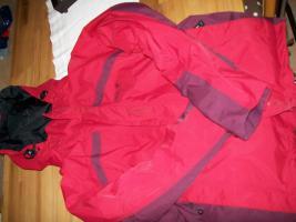 Jack Wolfskin Damenjacke rot mit herausnehmbaren Innenfleece schwarz