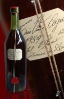 Foto 5 Jahrgangswein, historische Zeitungen, Jahrgangscognac