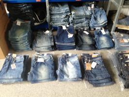 Jeanslager Auflösung Markenware