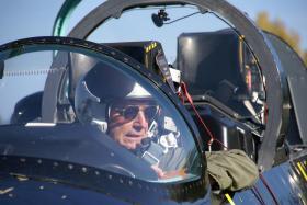 Jetfliegen in Tschechien - Copilot im Kampfjet