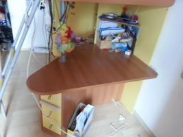 Foto 3 Jugendzimmer mit gelben Elementen