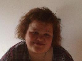 Junge -Frau 39 sucht kleines Zimmer Appatmet bis 200, -� inkl NK