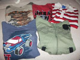 Jungenbekleidung: verschiedene Kleidungsstücke....Gr. 152