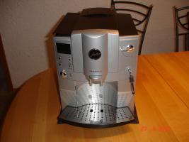 Jura-Capresso Impressa E75 2 Tassen Kaffee und Espressomaschine