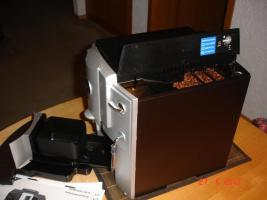 Foto 3 Jura-Capresso Impressa E75 2 Tassen Kaffee und Espressomaschine