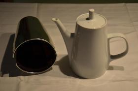 Foto 2 Kaffeekanne mit silberfarbenem Wärmeüberzug