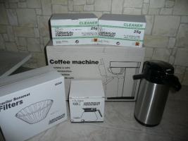 Kaffeemaschine mit viel Zubehör