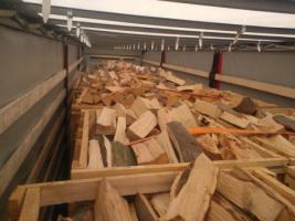 Foto 12 Kaminholz Buche Kamin fertig ges�gt und gespalten Deutschland weite Anlieferung mit LKW
