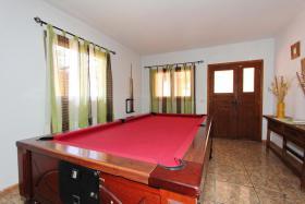 Ein Billardtisch ist vorhanden in Casa del Campo